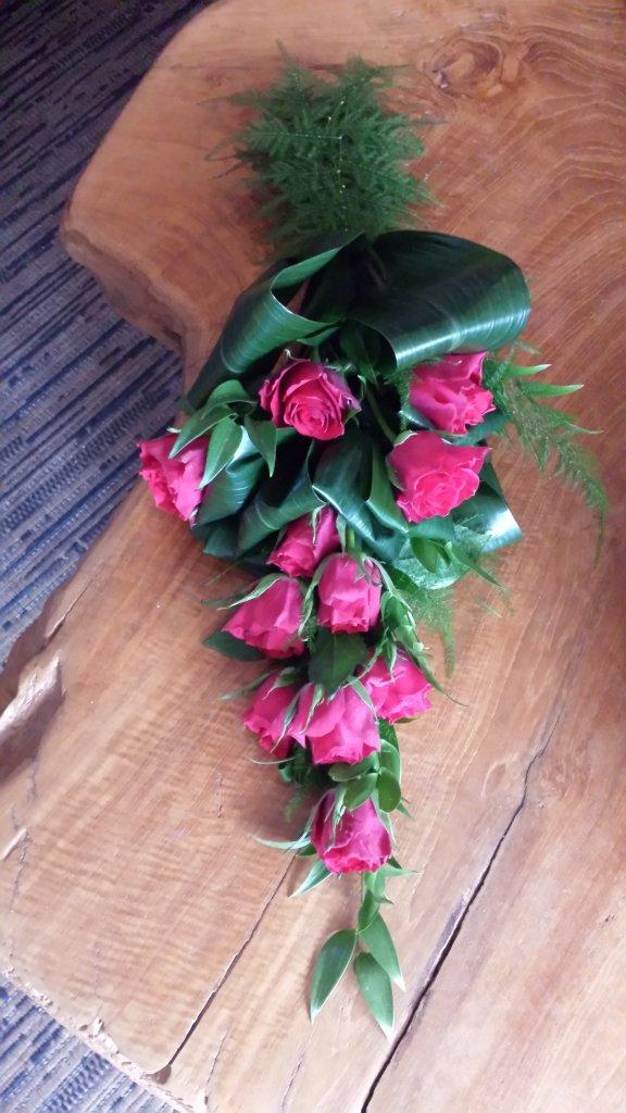 IB-016   Handgebonden rouwboeket   Carla G