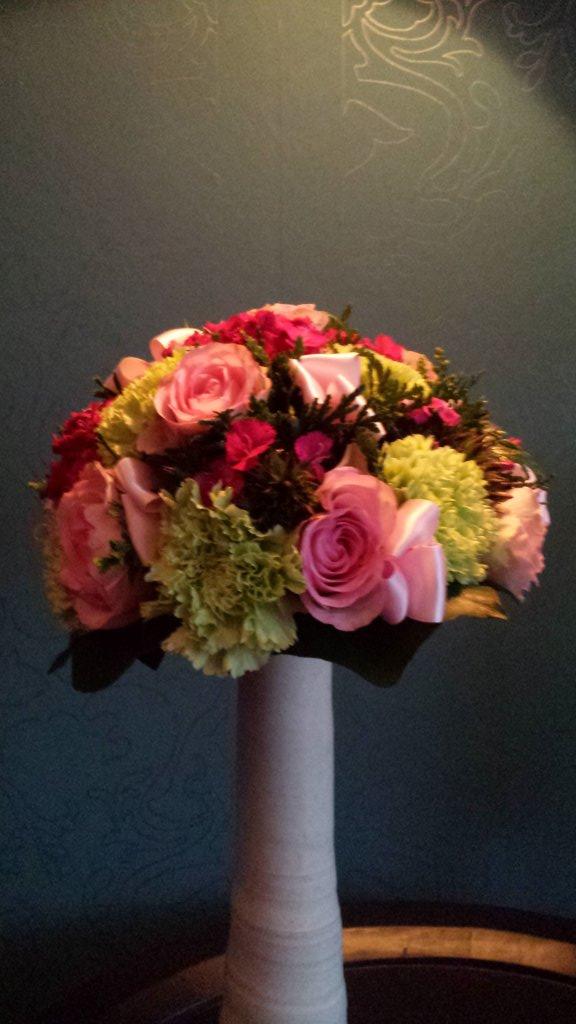 VO-011 | Biedermeier bruidsboeket - op draad   Carla G