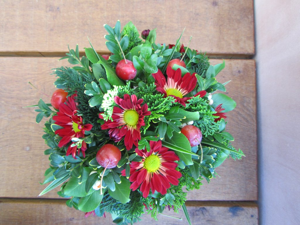 VO-002 | Biedermeier tafelarrangement - in oasis   Multiflora