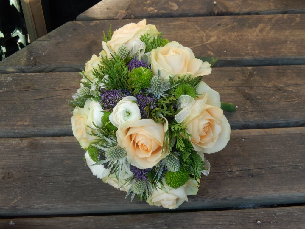 VO-011 | Biedermeier bruidsboeket - op draad   Toppie