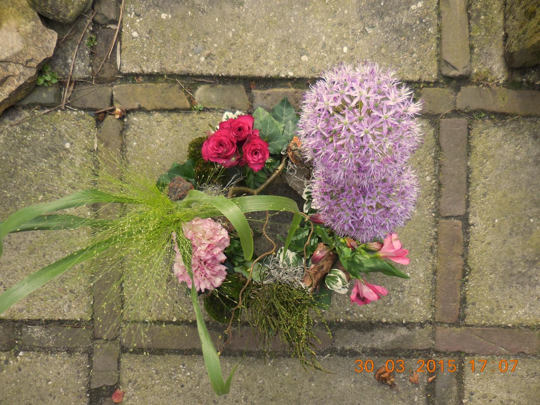 VO-040   Krans - als tuintje   Multiflora