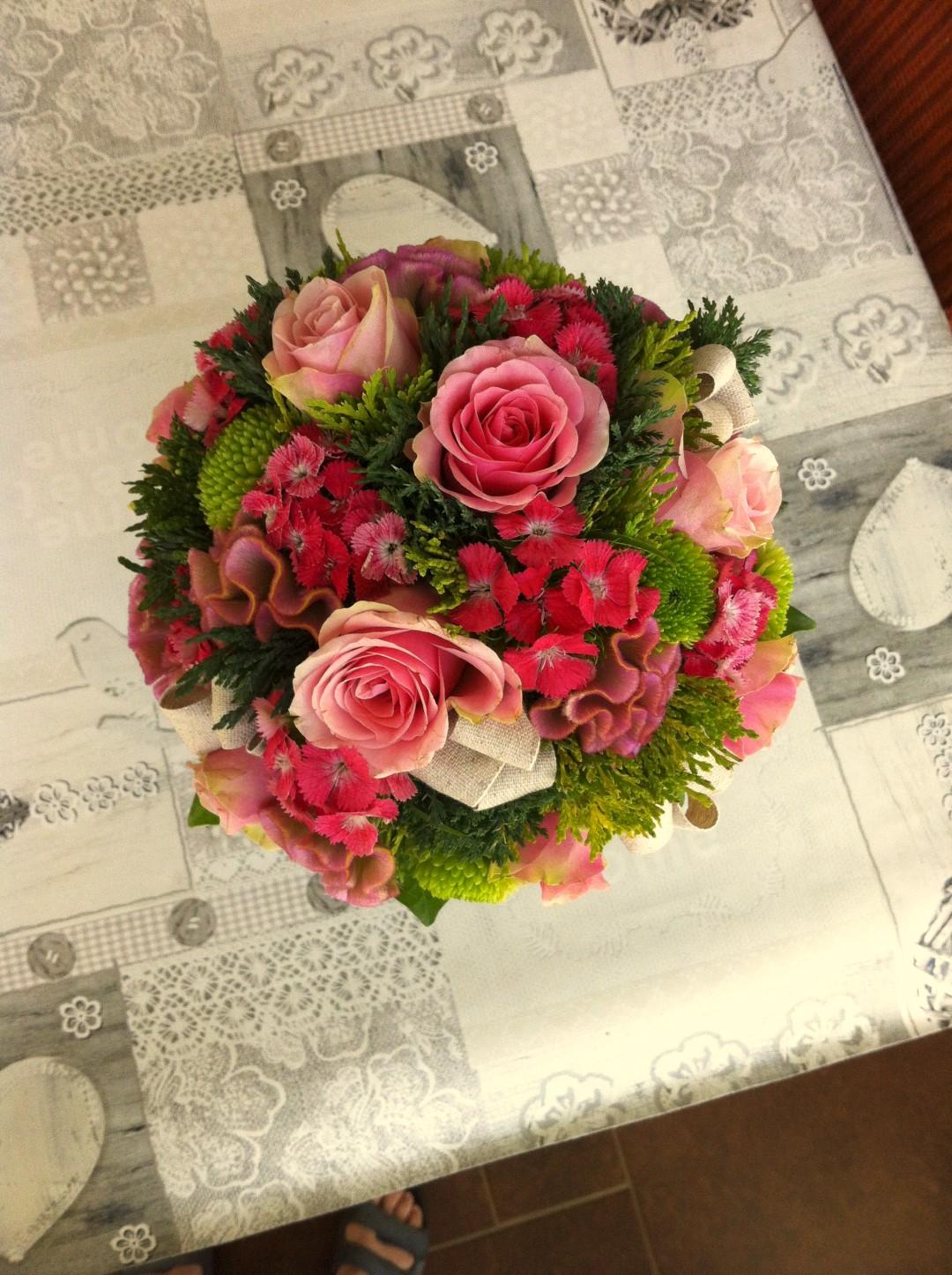 VO-011 | Biedermeier bruidsboeket - op draad