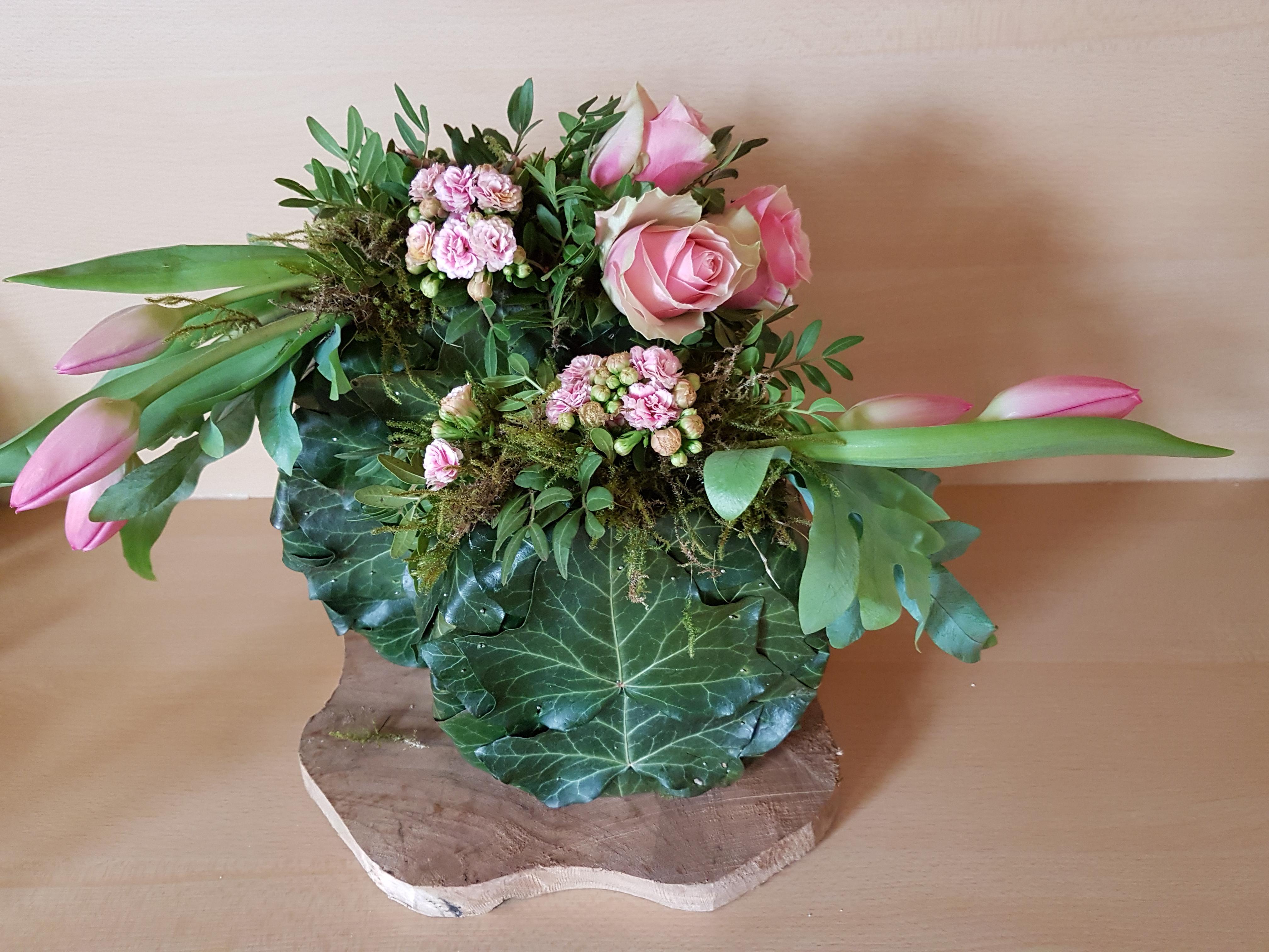 IB-065 | Floraal object - met piepschuim