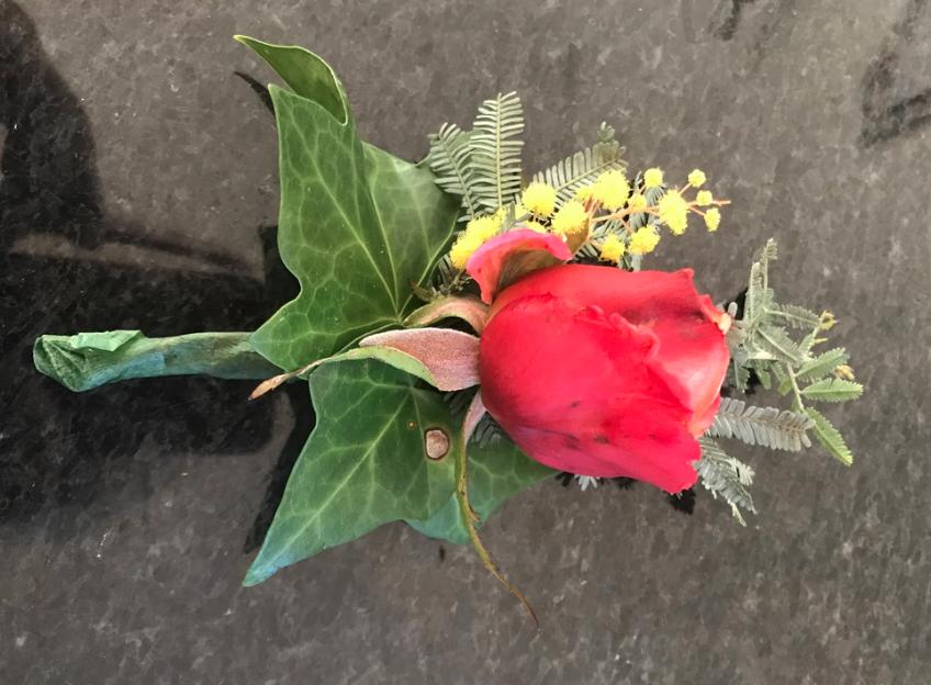 BG-010 | Gastencorsage   Joke's bloemschikken