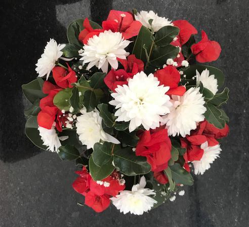 VO-002 | Biedermeier tafelarrangement - in oasis   Joke's bloemschikken
