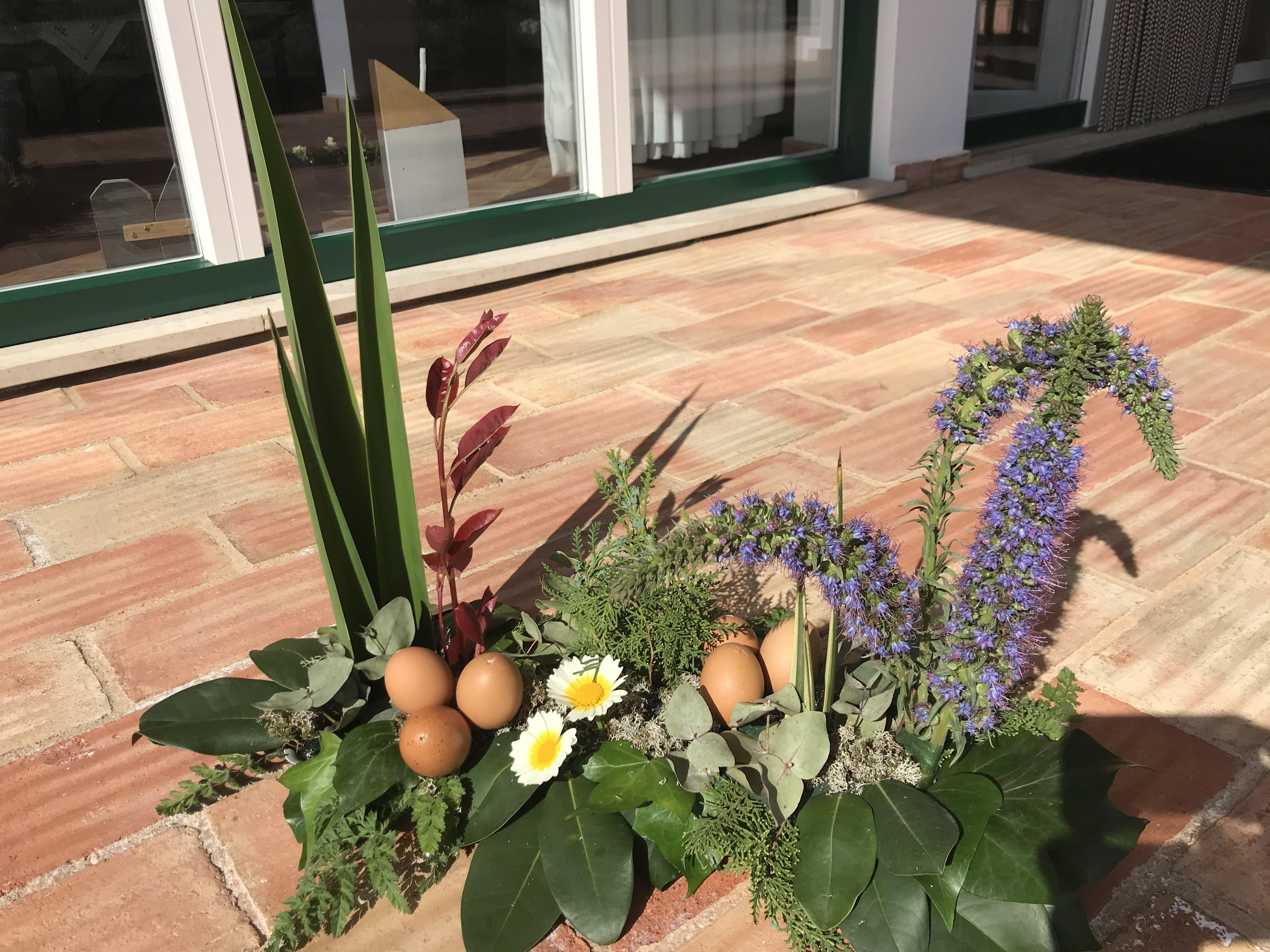VO-013 | Tuintje - in oasis table deco   Joke's bloemschikken
