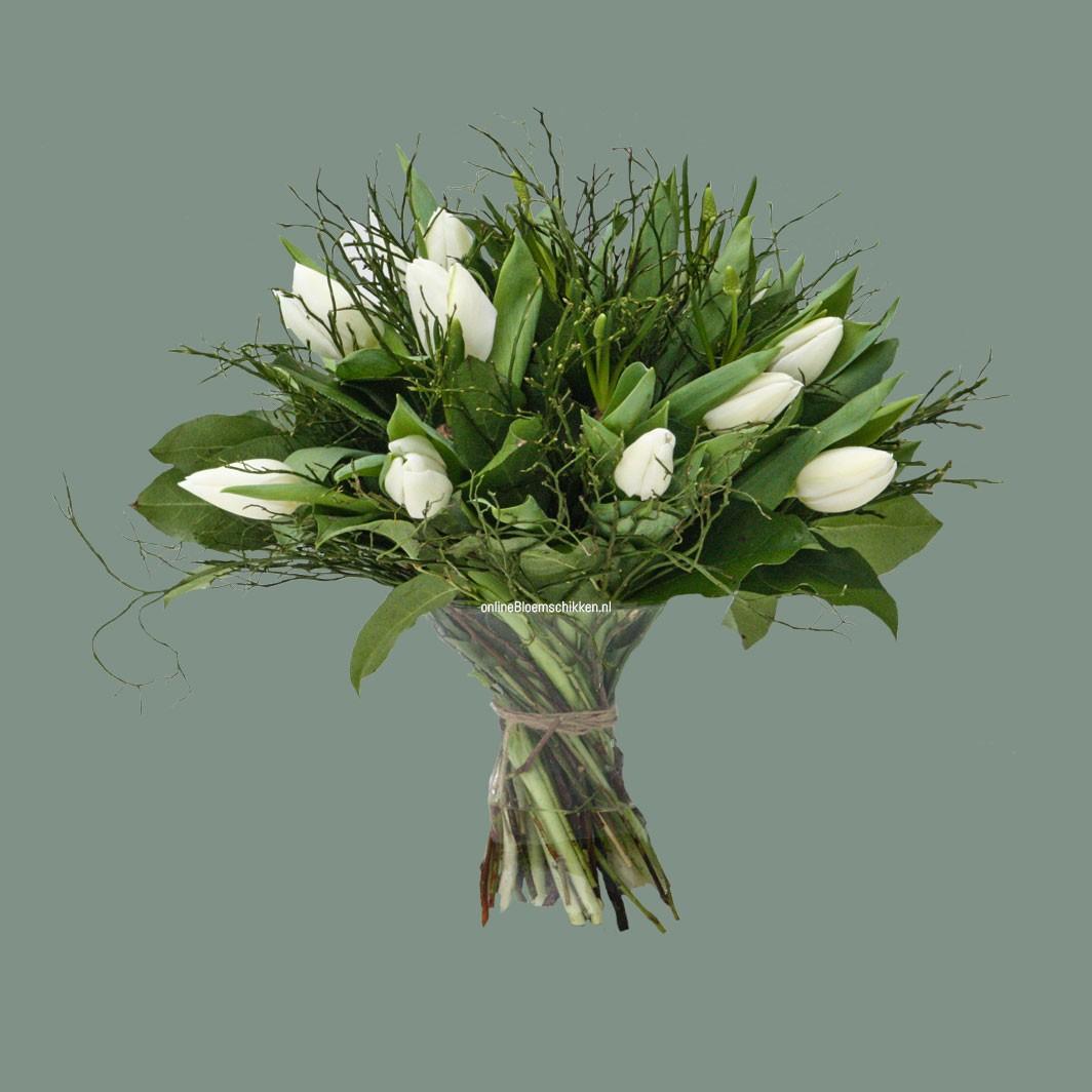 IB-017 | Handgebonden boeket - met tulpen